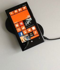 Nokia Lumia 920 with wireless charger