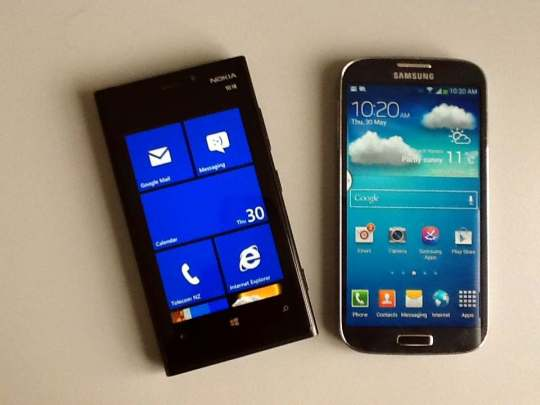 Nokia Lumia 920 and Samsung Galaxy S4